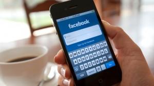 Facebook: come rimuovere le foto dall'app per iPhone